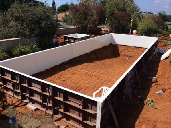 בניית בריכות שחיה בכפר הס