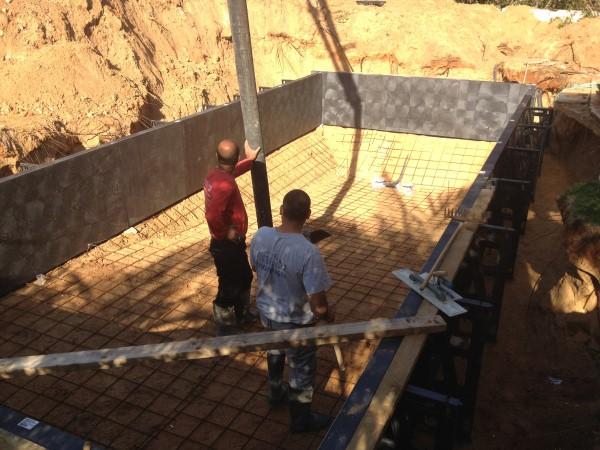 בניית בריכות שחיה בתל מונד