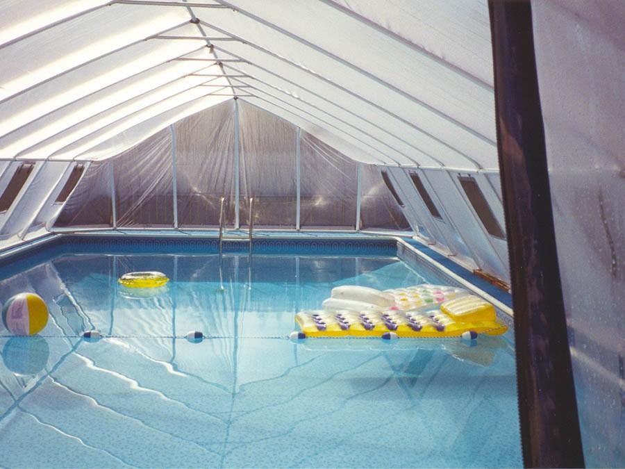 טל בריכות - בנייה והקמה של בריכות שחיה פרטיות